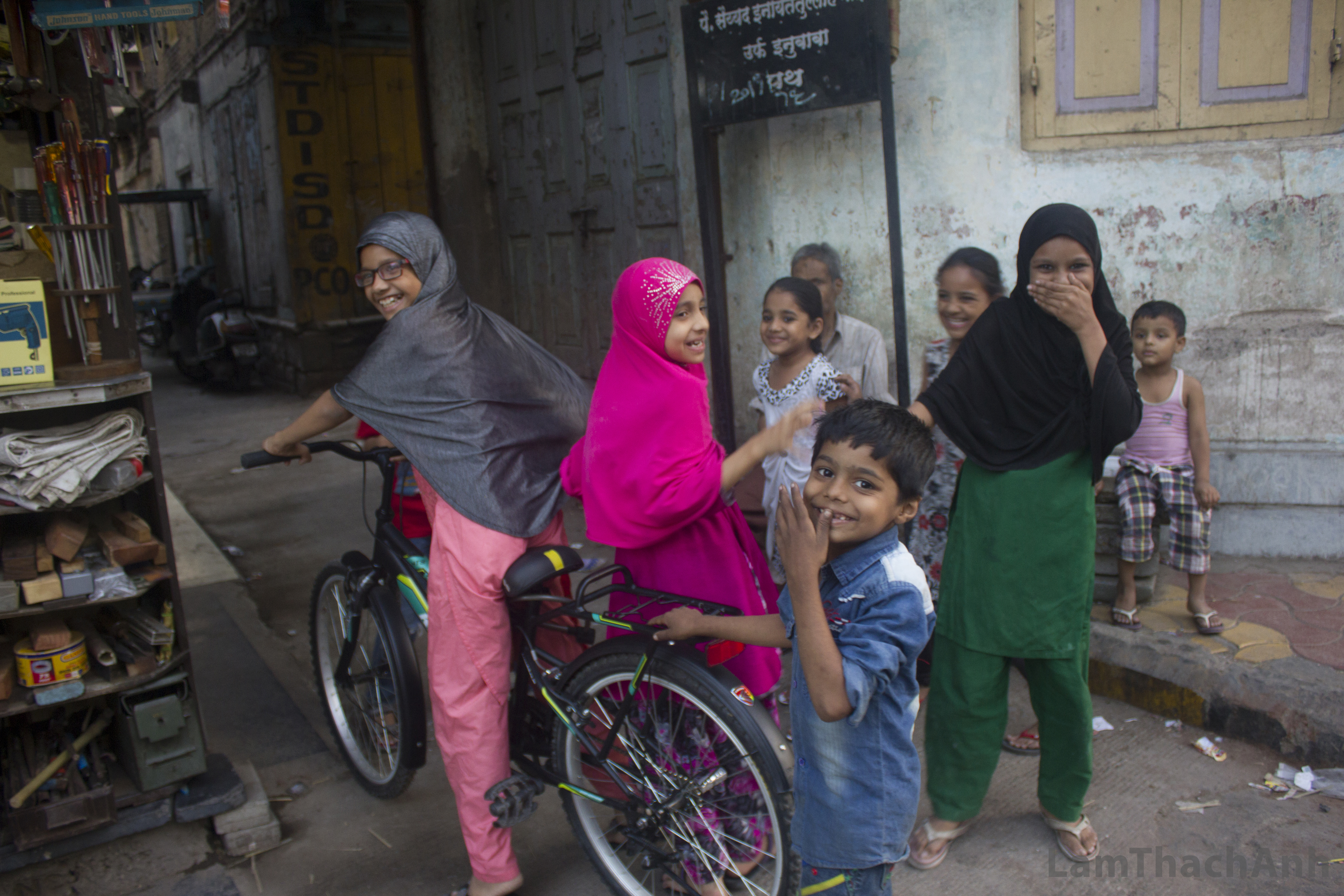 Photoessay: When In Pune, Do Smile!